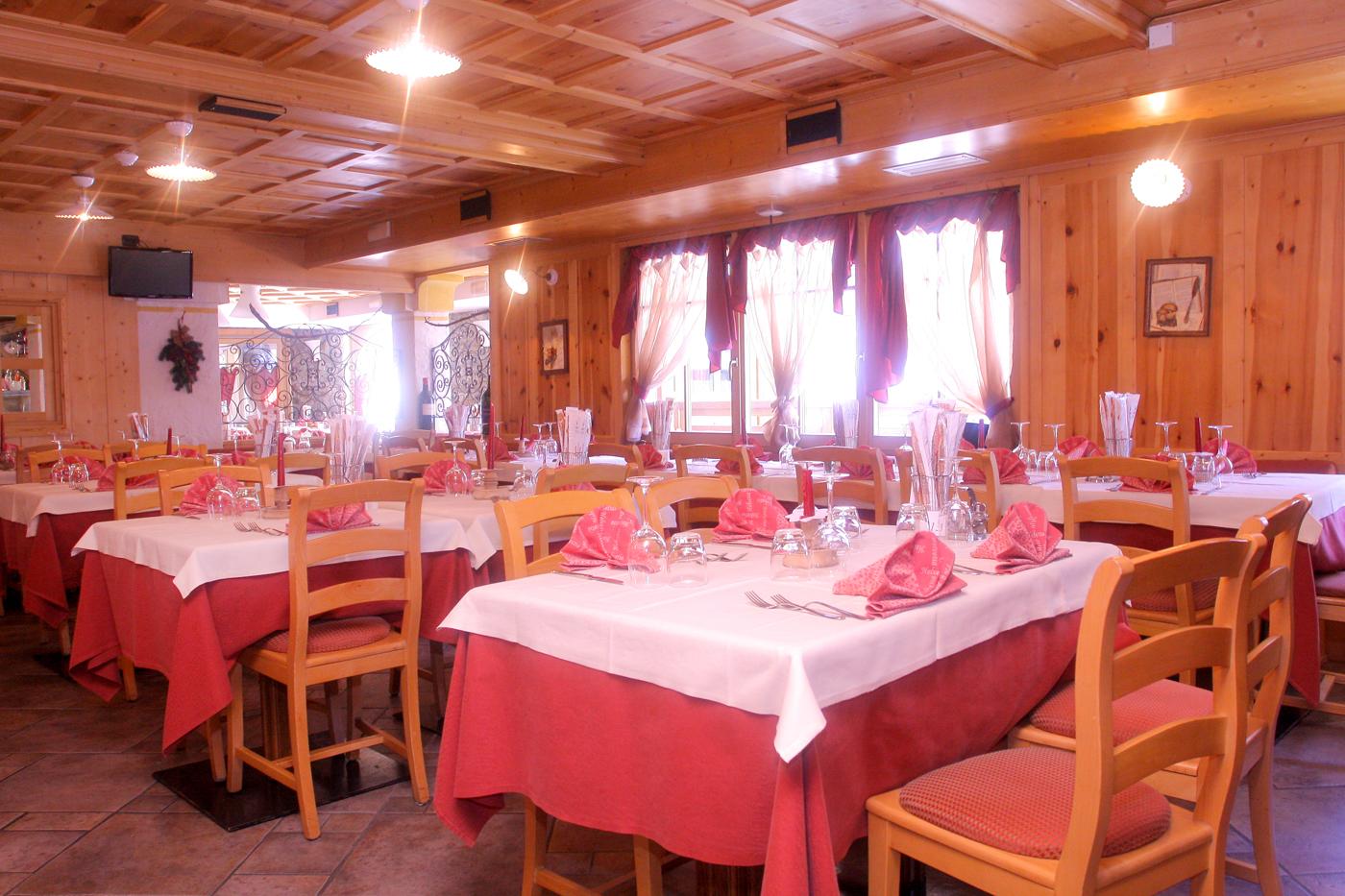 Restaurant Hotel Helvetia Livigno www.avant-ski.de
